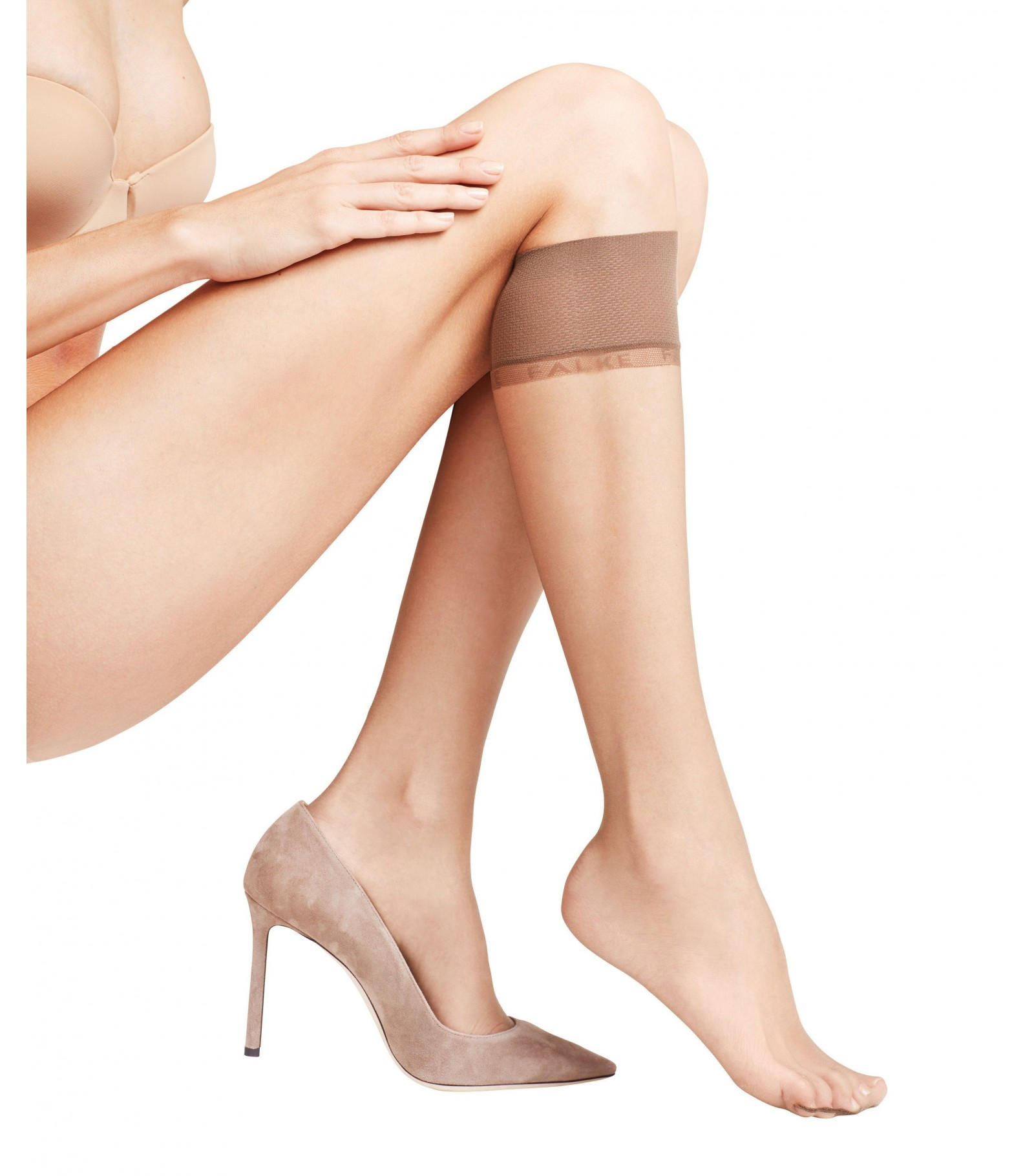 affc6610eb4 Invisible and slightly tinted mid bottom - Falke Shelina 12 Knee Tights  41726