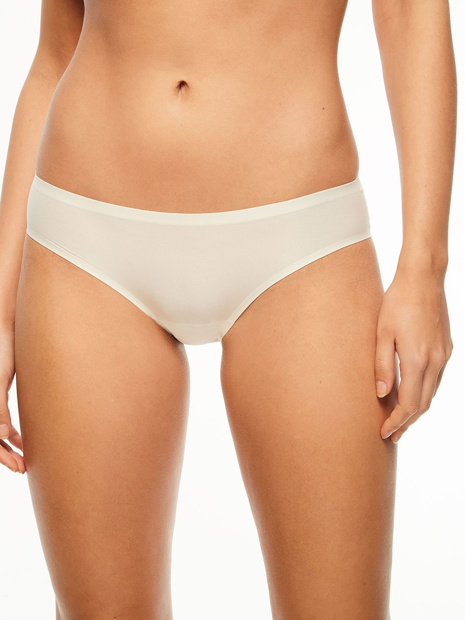 "Slip invisible taille basse - Chantelle ""Soft Stretch"" CH26430 - Ivoire 035"
